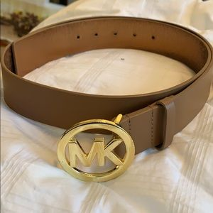 {Michael Kors} brown leather belt